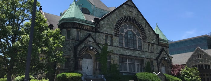 East Mt Zion Baptist Church is one of barbee 님이 좋아한 장소.