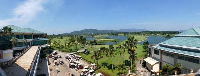 Pattana Golf Club & Resort is one of Paoloさんのお気に入りスポット.