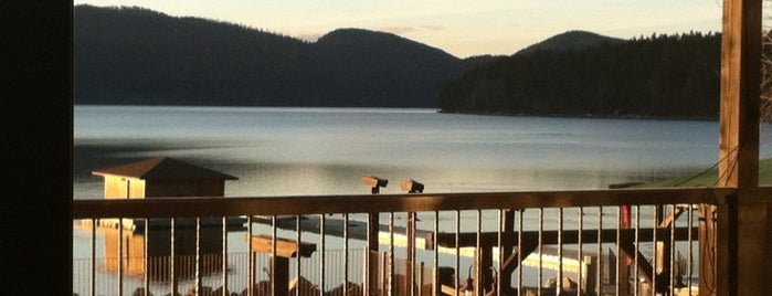 The Lodge at Whitefish Lake is one of สถานที่ที่ Seth Henry ถูกใจ.