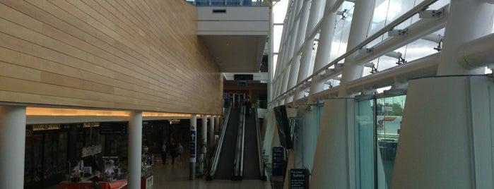 Clarehall Shopping Centre is one of Orte, die Will gefallen.