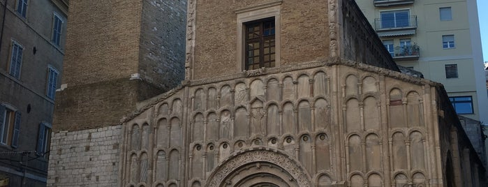 Chiesa di Santa Maria della Piazza is one of สถานที่ที่บันทึกไว้ของ Social Media Team.