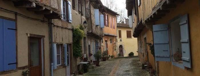 Sarrant is one of Les plus beaux villages de France.