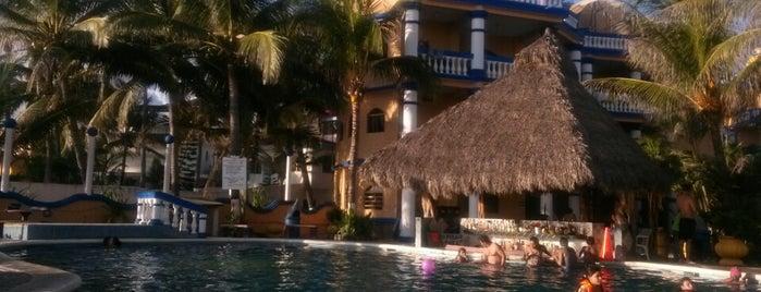 Laguna Del Tule is one of สถานที่ที่ Adriana ถูกใจ.