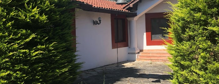 Villa Fe Butik Otel is one of Tempat yang Disukai Yeş.