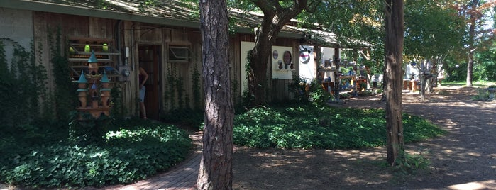 Scargo Pottery is one of Mo's Liked Places.