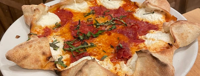 Mister O1 Extraordinary Pizza is one of Miami local eats.