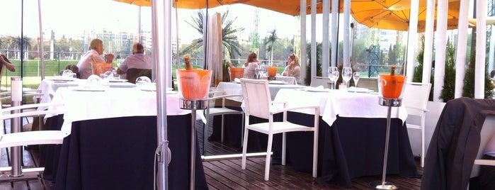 Fábula Buey & Champagne is one of Comer en Madrid.