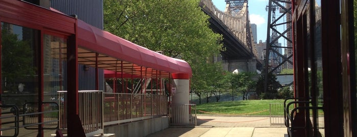 Roosevelt Island Red Bus is one of NEW YORK CITY : Manhattan in 10 days! #NYC enjoy.