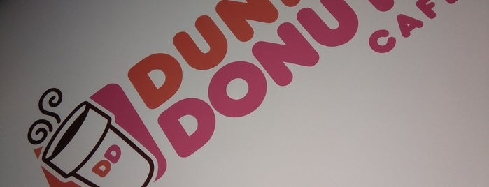 Dunkin' is one of Camilaさんのお気に入りスポット.