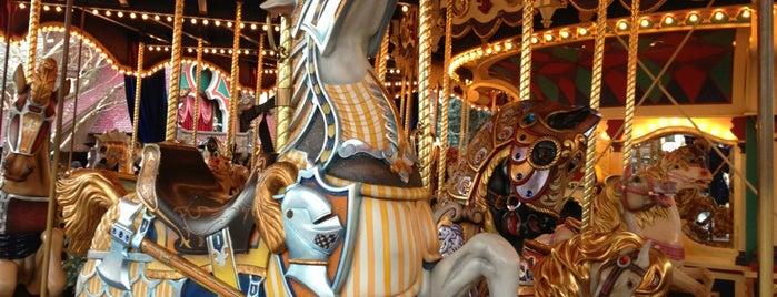 Le Carrousel de Lancelot is one of Tempat yang Disukai Valérie.