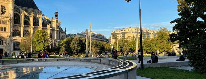 Les Halles is one of Paris Neighberhood.
