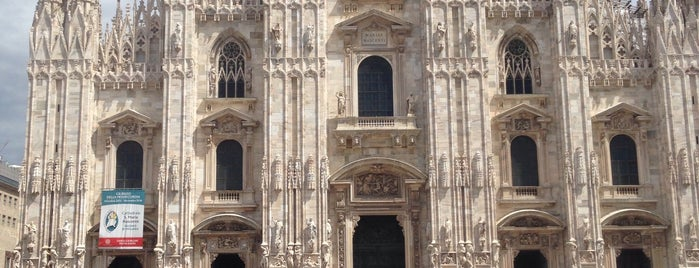 Loggia dei Mercanti is one of Milano.