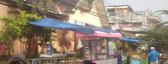 Pasar Tumpang is one of Tempat yang Disukai Gondel.