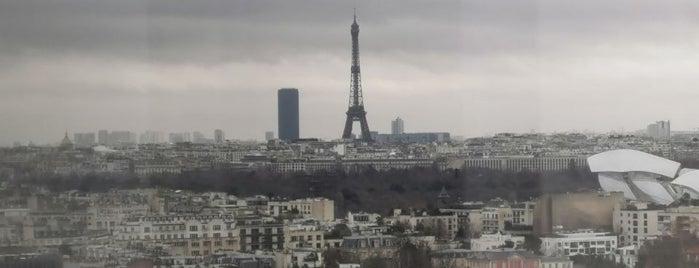 Skyline Bar & Lounge is one of Paris.