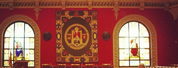 Paraninfo Universidad de Zaragoza is one of Museos y salas de Exposiciones de Zaragoza.