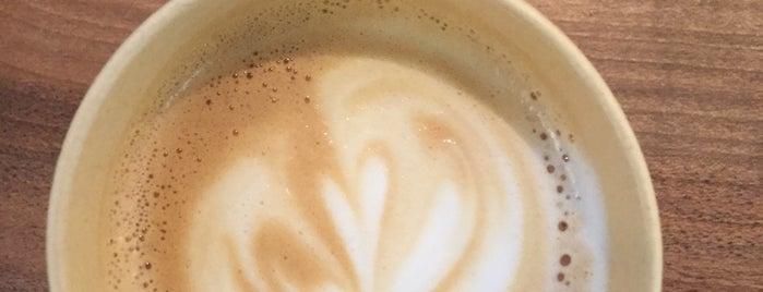 White Coffeebar is one of Locais curtidos por Lenyla.