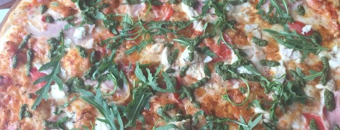New York Street Pizza is one of Locais curtidos por Lenyla.