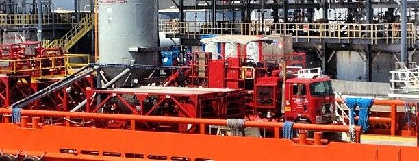 Haliburton dock is one of Tempat yang Disimpan Coleen.