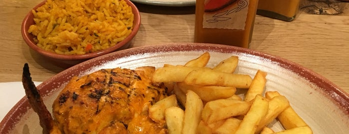 Nando's is one of Lieux qui ont plu à Rod.