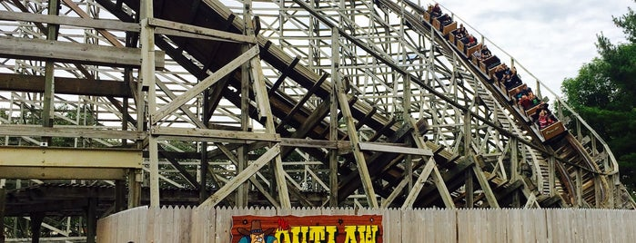 The Outlaw is one of Rollercoasters I've Conquered.