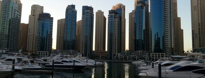 Dubai Marina (مرسى دبي) is one of Orte, die Cristi gefallen.