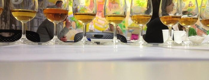 Wines & Spirit Education Trust (WSET) is one of Tempat yang Disukai Kostas.