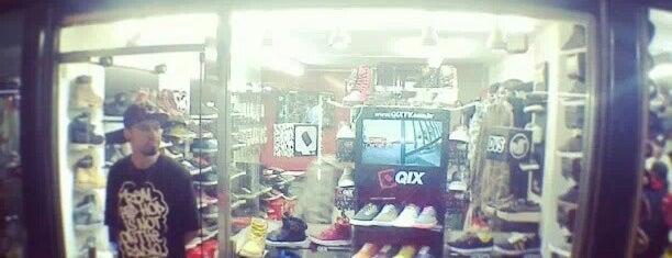 QIX Skate Shop is one of Lugares por AE.