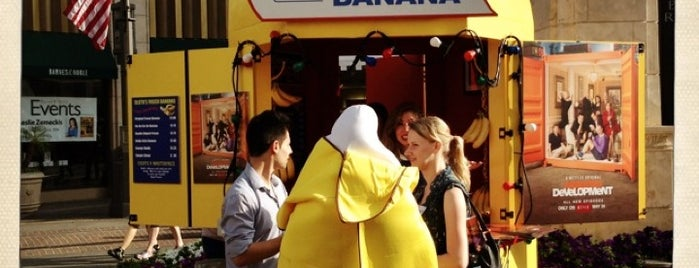 Bluth's Banana Stand is one of City of Angels.
