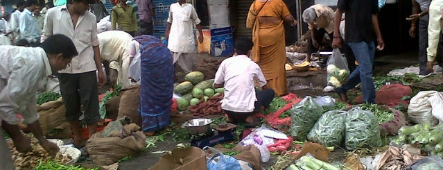 Dadar Market is one of India.