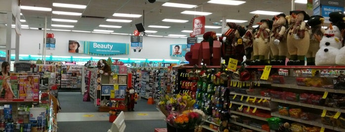 CVS pharmacy is one of สถานที่ที่ Terrence ถูกใจ.