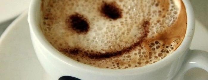 Nişantaşı Cafe is one of Rugi 2.