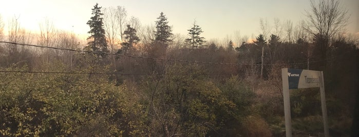 Ticonderoga Train Station is one of Locais salvos de Robert.