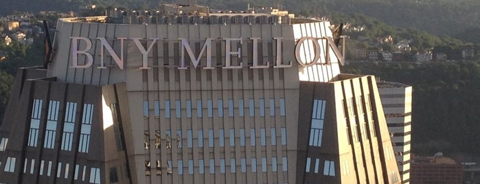BNY Mellon Center is one of Locais curtidos por Christopher.