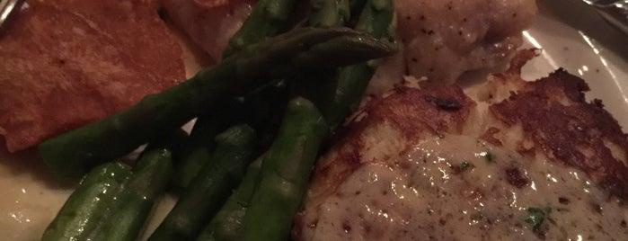Mile High Steak & Seafood is one of Tempat yang Disukai Lorraine-Lori.