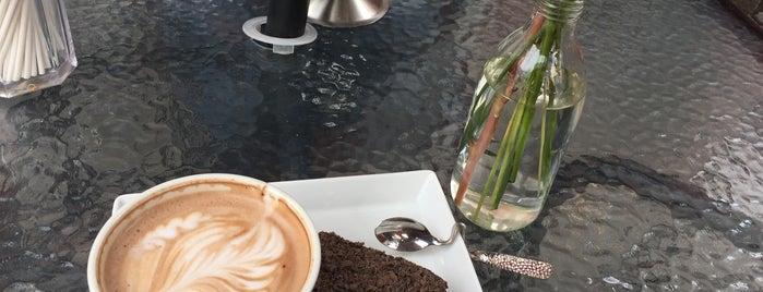 Cafés Richard is one of Tania'nın Beğendiği Mekanlar.
