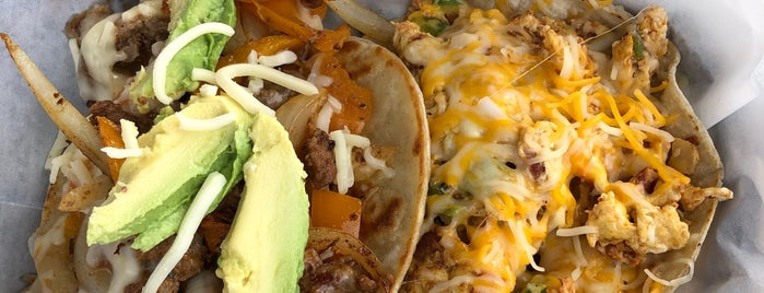 Don Gume's Tacos & More is one of Orte, die Carl gefallen.