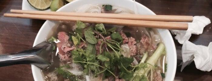 Phở 10 Lý Quốc Sư is one of Carl : понравившиеся места.