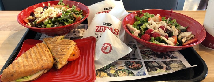 Cafe Zupas is one of Locais curtidos por Stephanie.