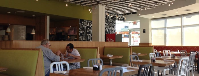 Daily Diner Frogtown is one of Food.
