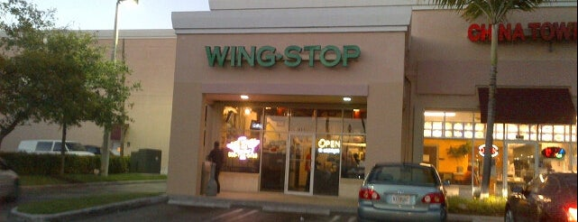 Wingstop is one of Locais curtidos por Rashaad.