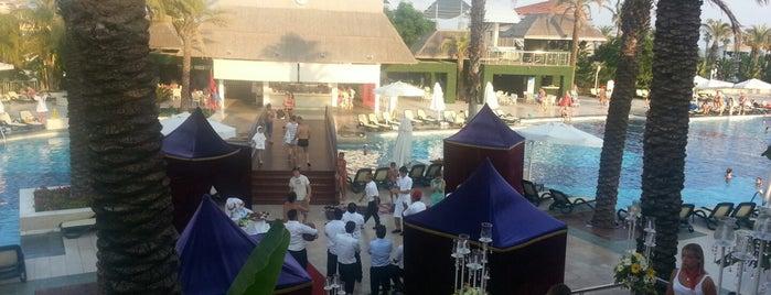 Alva Donna Exclusive Hotel & Spa is one of Lieux qui ont plu à TC Ebubekir.
