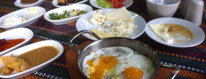 Van Kahvaltı Salonu is one of Lieux sauvegardés par Yas4min.