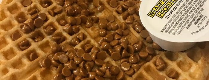 Waffle House is one of Payal 님이 좋아한 장소.