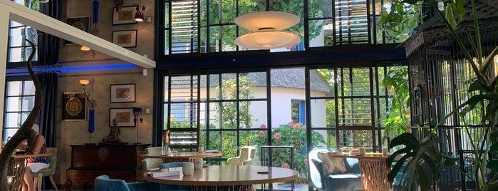 La Mare aux Oiseaux Hotel Saint-Joachim is one of Haute Cuisine Internat.