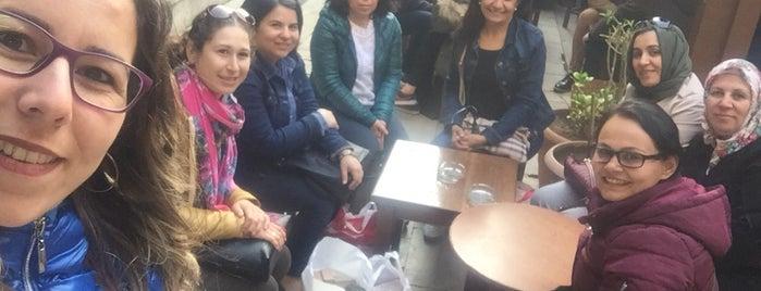 Kızlarağası Hanı Çuha Bedesteni is one of Esmirna.