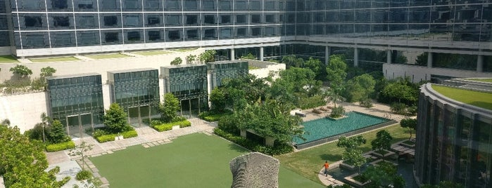 Andaz Delhi - a concept by Hyatt is one of Dmitryさんのお気に入りスポット.
