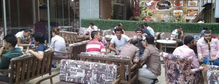 Cafe de Kahve Rengi is one of Istanbul.