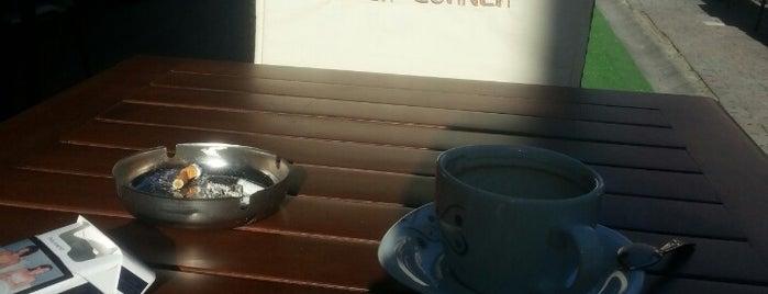Back Corner cafe & restaurant is one of Tempat yang Disukai Furkan.