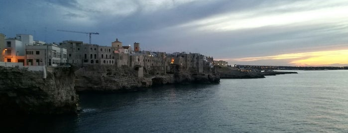 Largo Grotta Ardito is one of Puglia.