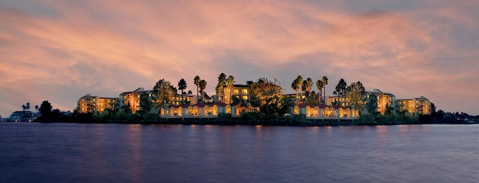 Loews Coronado Bay Resort is one of Lugares favoritos de KATIE.